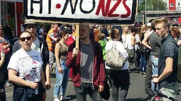 Demo in Hildesheim: Herz statt Hetze - Für Europa und gegen Faschismus